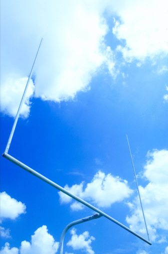 Goal Post「Low angle view of football goal post」:スマホ壁紙(11)