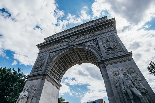 Triumphal Arch「Low angle view of Washington Square Arch, Manhattan, New York, USA」:スマホ壁紙(12)