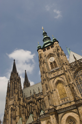 St Vitus's Cathedral「Low angle view of historical cathedral」:スマホ壁紙(8)