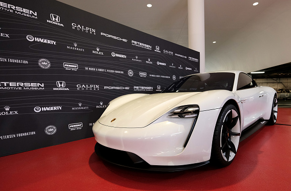 Alberto E「Petersen Automotive Museum Gala - Arrivals」:写真・画像(5)[壁紙.com]