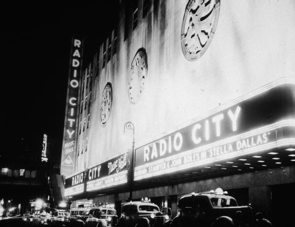 Radio City Music Hall「Up In Lights」:写真・画像(4)[壁紙.com]