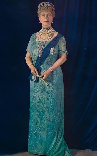 Tiara「The Widowed Queen: Her Majesty Queen Mary」:写真・画像(2)[壁紙.com]