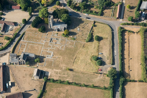 Benedictine「Ruined Remains Of Muchelney Abbey」:写真・画像(15)[壁紙.com]