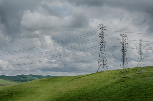 Electricity Pylon「Pylons, Power Lines on Grassy Hills」:スマホ壁紙(2)