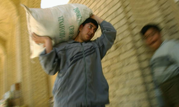 Sunni Islam「Aid Collected At Mosque For Fallujah」:写真・画像(10)[壁紙.com]