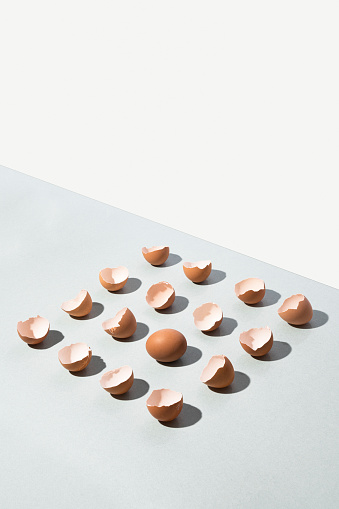 Alternative Pose「Egg shells and egg aligned as square」:スマホ壁紙(6)