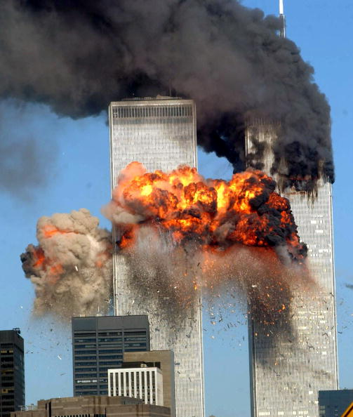 Exploding「(FILE PHOTO) Authorities Release 9-11 Emergency Tapes」:写真・画像(9)[壁紙.com]