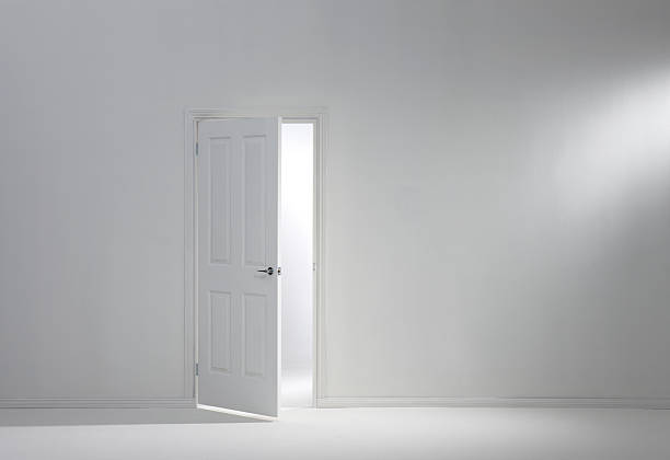 open door:スマホ壁紙(壁紙.com)