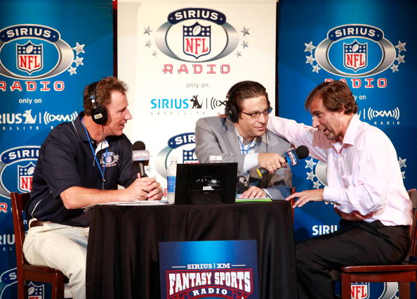 American Football - Sport「SIRIUS XM Radio Celebrity Fantasy Football Draft-Times Square」:写真・画像(19)[壁紙.com]