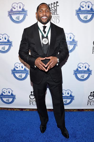 Great Sports Legends Dinner「30th Annual Great Sports Legends Dinner To Benefit The Buoniconti Fund To Cure Paralysis - Arrivals」:写真・画像(15)[壁紙.com]