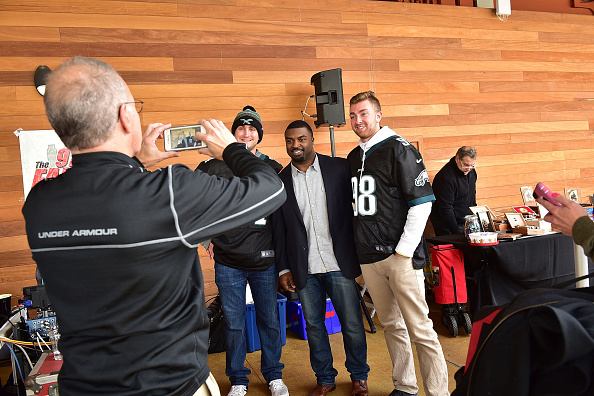 """Philadelphia Eagles「OAKHEART Genuine Spiced Rum and Legendary Former American Football Running Back Brian Westbrook Take Over XFINITY Live! To Launch the """"Oakth"""" Challenge」:写真・画像(3)[壁紙.com]"""