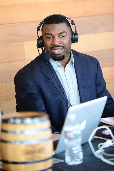 "Philadelphia Eagles「OAKHEART Genuine Spiced Rum and Legendary Former American Football Running Back Brian Westbrook Take Over XFINITY Live! To Launch the ""Oakth"" Challenge」:写真・画像(7)[壁紙.com]"