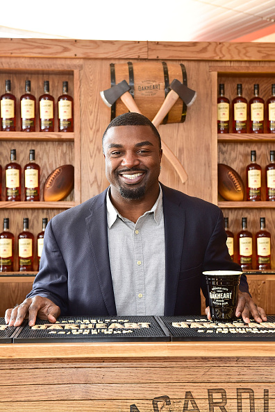 """Philadelphia Eagles「OAKHEART Genuine Spiced Rum and Legendary Former American Football Running Back Brian Westbrook Take Over XFINITY Live! To Launch the """"Oakth"""" Challenge」:写真・画像(5)[壁紙.com]"""