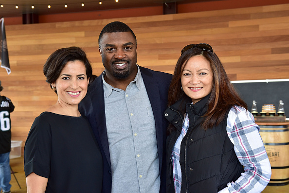 "Philadelphia Eagles「OAKHEART Genuine Spiced Rum and Legendary Former American Football Running Back Brian Westbrook Take Over XFINITY Live! To Launch the ""Oakth"" Challenge」:写真・画像(16)[壁紙.com]"