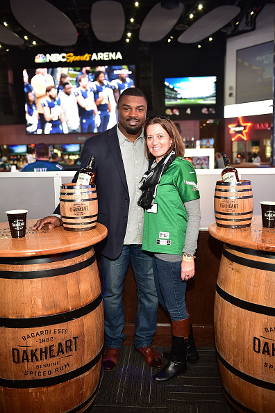 "Philadelphia Eagles「OAKHEART Genuine Spiced Rum and Legendary Former American Football Running Back Brian Westbrook Take Over XFINITY Live! To Launch the ""Oakth"" Challenge」:写真・画像(17)[壁紙.com]"