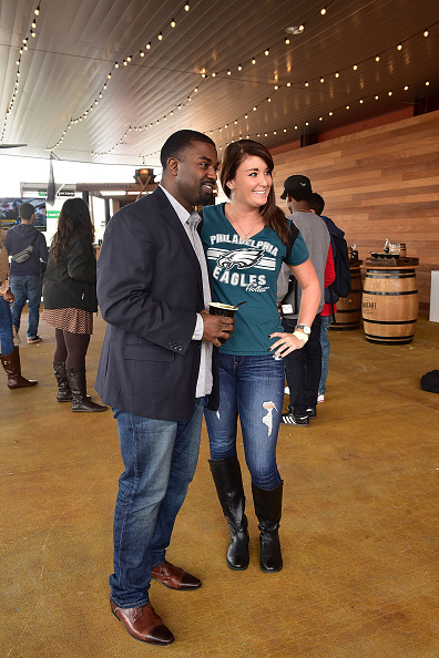 "Philadelphia Eagles「OAKHEART Genuine Spiced Rum and Legendary Former American Football Running Back Brian Westbrook Take Over XFINITY Live! To Launch the ""Oakth"" Challenge」:写真・画像(18)[壁紙.com]"