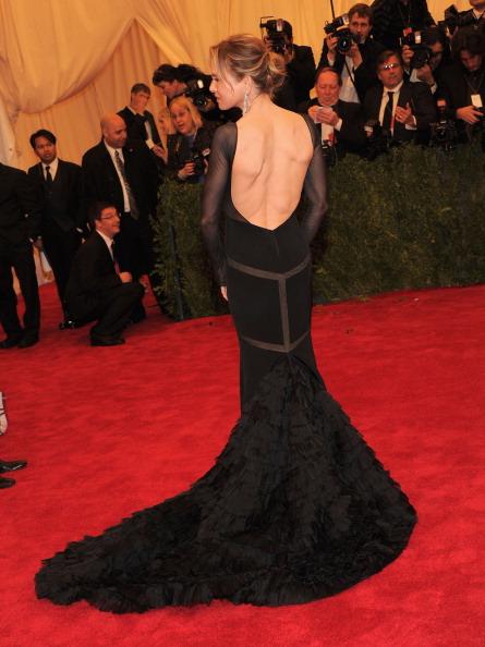 "Rear View「""Schiaparelli And Prada: Impossible Conversations"" Costume Institute Gala」:写真・画像(5)[壁紙.com]"