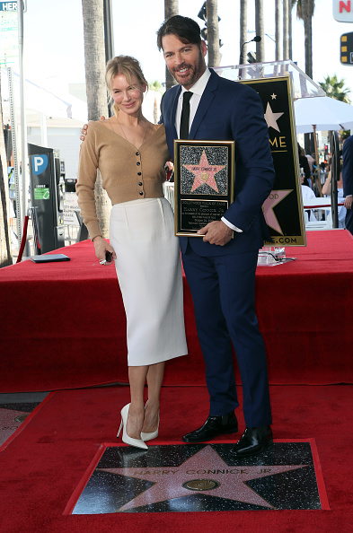 Cardigan Sweater「Harry Connick Jr. Honored With Star On Hollywood Walk Of Fame」:写真・画像(18)[壁紙.com]