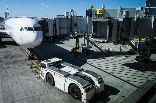Passenger「Airplane and Boarding Bridge.」:スマホ壁紙(8)