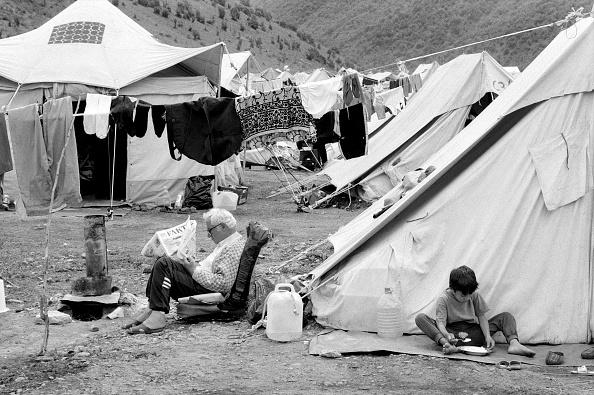 Tom Stoddart Archive「Macedonia, refugee camp (B&W)」:写真・画像(16)[壁紙.com]