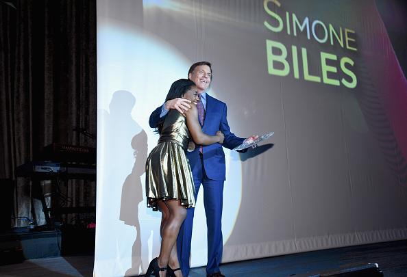 ミッドタウンマンハッタン「32nd Annual Great Sports Legends Dinner To Benefit The Miami Project/Buoniconti Fund To Cure Paralysis - Dinner」:写真・画像(2)[壁紙.com]