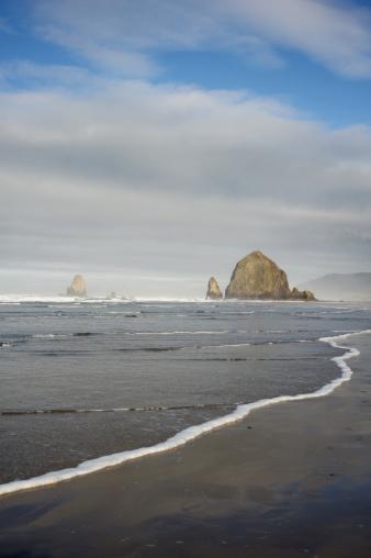 Cannon Beach「The rocks」:スマホ壁紙(9)