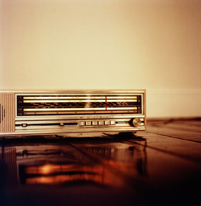 Audio Equipment「Radio on Stereo」:スマホ壁紙(3)