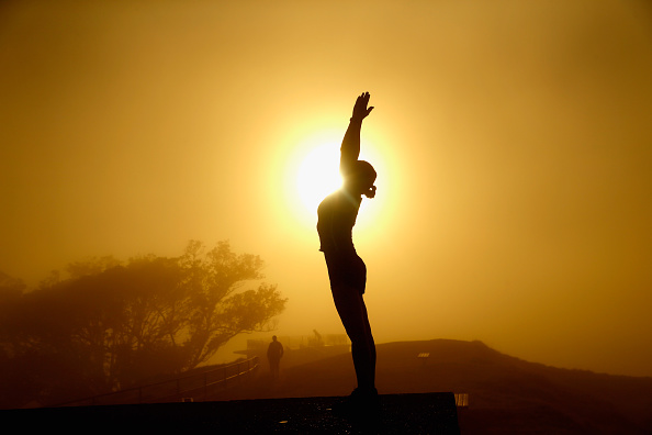 Yoga「Fog Settles Around Auckland City」:写真・画像(0)[壁紙.com]