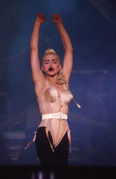 Blond Hair「Madonna Blond Ambition Tour」:写真・画像(0)[壁紙.com]