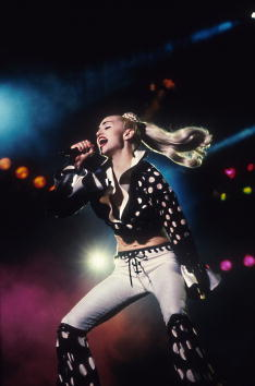 Blond Hair「Madonna Blond Ambition Tour」:写真・画像(9)[壁紙.com]