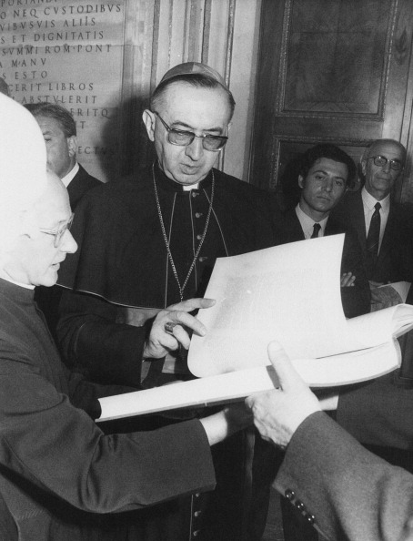 Religious Dress「Cardinal Villot」:写真・画像(18)[壁紙.com]