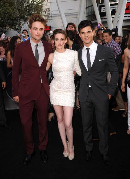 ロバート・パティンソン「Premiere Of Summit Entertainment's 'The Twilight Saga: Eclipse' - Arrivals」:写真・画像(15)[壁紙.com]
