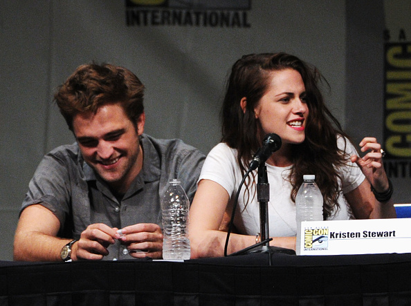 Robert Pattinson「Comic-Con International 2012 - 'The Twilight Saga: Breaking Dawn - Part 2' Panel」:写真・画像(3)[壁紙.com]