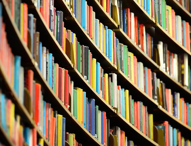 Bookshelf inside Stockholm Public Library:スマホ壁紙(壁紙.com)