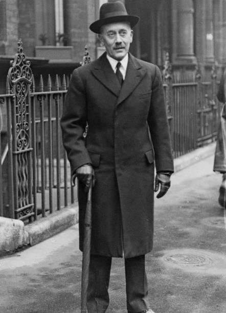 One Man Only「Sir Alexander Cadogan」:写真・画像(13)[壁紙.com]