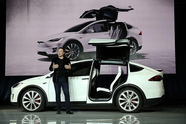 Event「Tesla Debuts Its New Crossover SUV Model, Tesla X」:写真・画像(4)[壁紙.com]