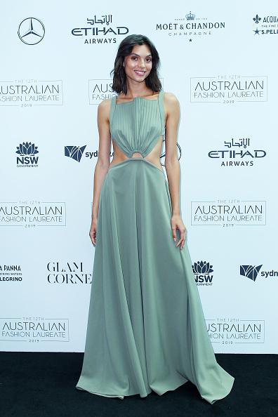 Square Neckline「The Australian Fashion Laureate 2019 - Arrivals」:写真・画像(6)[壁紙.com]