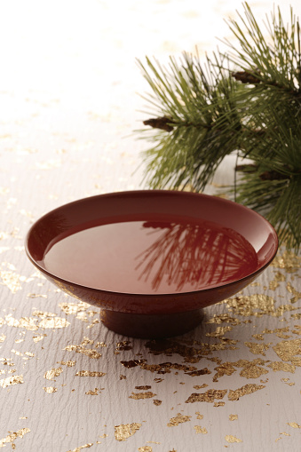 Sake「Brown saki cup with pine branches」:スマホ壁紙(7)