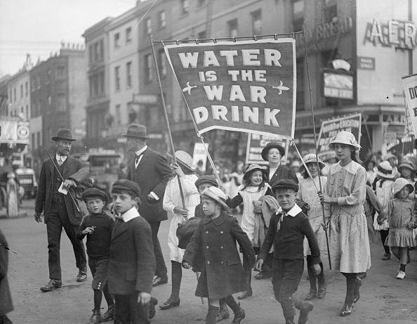 Home Front「Drink Water」:写真・画像(0)[壁紙.com]