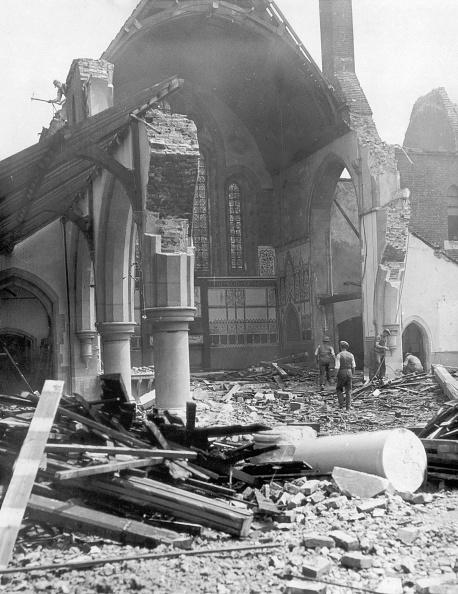 Demolishing「Demolishing Church」:写真・画像(19)[壁紙.com]
