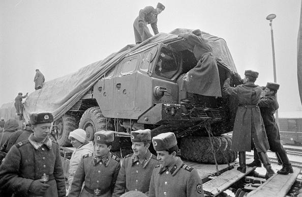 Russian Military「Leaving East Germany」:写真・画像(2)[壁紙.com]