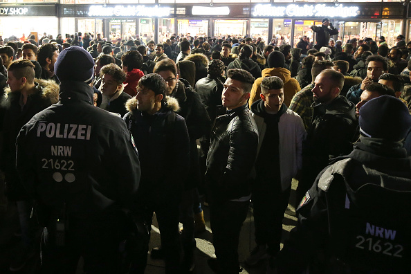Railroad Station「Cologne Celebrates New Year's Eve Under Heightened Security」:写真・画像(7)[壁紙.com]