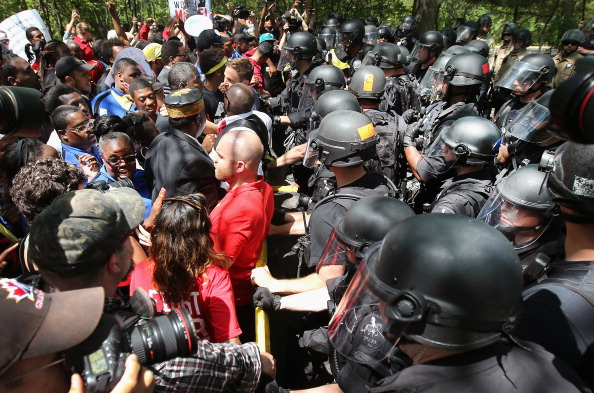Fast Food「Fast Food Workers Protest For Increased Wages Ahead Of McDonald's Annual Shareholder Meeting」:写真・画像(1)[壁紙.com]