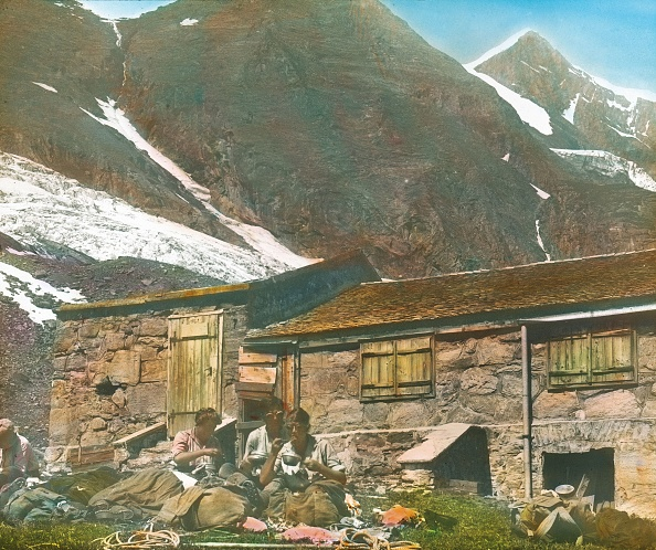 Rest Area「Climbers on the way to the Grossglockner」:写真・画像(11)[壁紙.com]