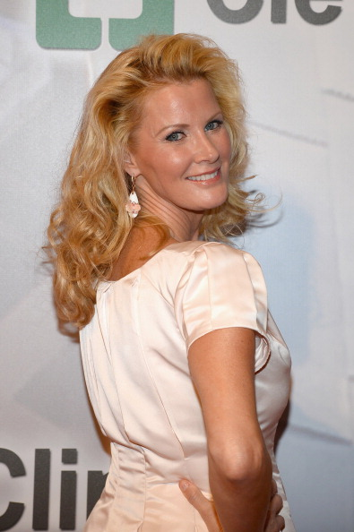 "MGM Grand Garden Arena「Keep Memory Alive's 18th Annual ""Power Of Love"" Gala Honoring Gloria And Emilio Estefan Jr. - Red Carpet」:写真・画像(14)[壁紙.com]"