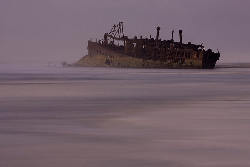 UNESCO「The wreck of the Maheno on the Eastern beach, Fraser Island, Australia.」:スマホ壁紙(12)