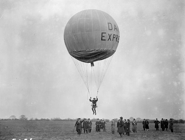 気球「Balloon Jumping」:写真・画像(1)[壁紙.com]