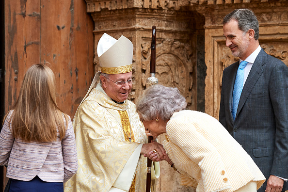 Palma Cathedral「Spanish Royals Attend Easter Mass In Palma De Mallorca」:写真・画像(19)[壁紙.com]