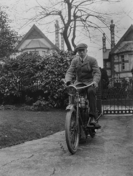 Social History「Young Man On Motorcycle」:写真・画像(8)[壁紙.com]