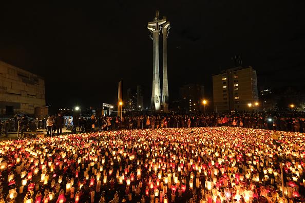 Candlelight「Gdansk Mourns Murdered Mayor Pawel Adamowicz」:写真・画像(11)[壁紙.com]